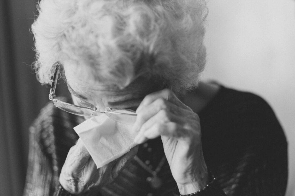 Aiutare un caregiver: arriva il gruppo di lettura a sostegno dei familiari di persone con demenza.